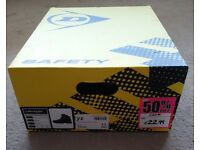Dunlop safety boots size 9,5 (EU-44) like new