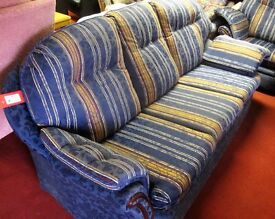 A 3 seater sofa and 2 matching armchairs [9622]