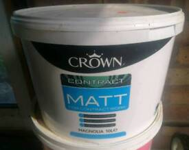 Crown matt magnolia emulsion