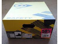 Dunlop safety boots size 9,5 (EU-44) like new