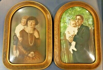 1920s Oval Wooden Frame With Glass and Picture