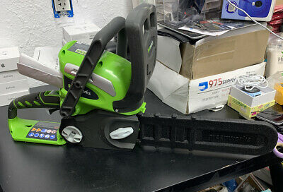 GreenWorks 2012802 40V 14-Inch Cordless Chainsaw (TOOL AND CHARGER ONLY)