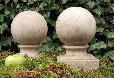 """+""""2 x Mauerabschluss  frostfest Kugel 25 cm grau beige Steinguss Stein Skulptur"""