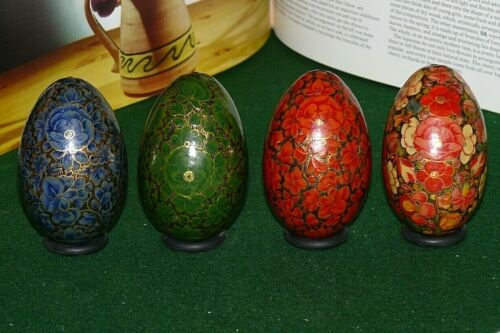 VINTAGE SET OF 4 HAND PAINTED WOOD RUSSIAN STYLE DECORATIVE EGGS COLORFUL FLORAL