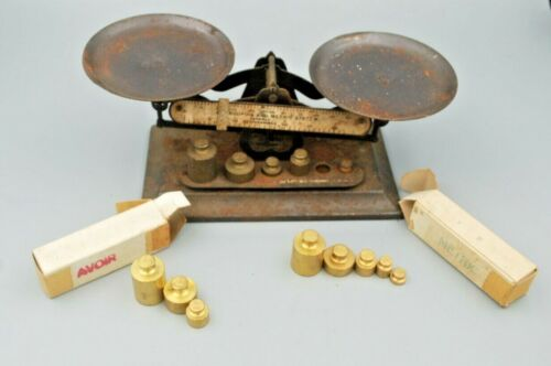 Antique Balance Scale and 14 Weights: Avoirdupois and Metric, Chicago