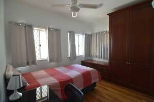 $165 Single Room 20 Minutes to City & 10 to Kelvin Grove by b