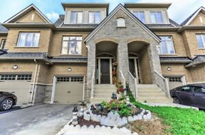 3+2 Br - 5 Washroom Townhouse in heart of Richmond Hill