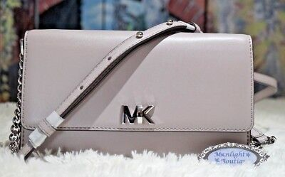 8b1d37f64c55 MICHAEL KORS MOTT XL Wallet on Chain SM.Crossbody Bag In PEARL GREY Leather  $195