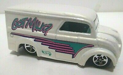 Hot Wheels Dairy Delivery Got Milk? Plastic Malaysia Base Loose Car