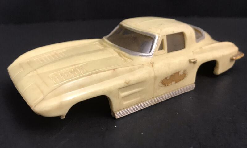 Vintage 60s Ideal CORVETTE STING RAY Motorific Body