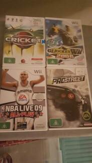 4 wii games near new