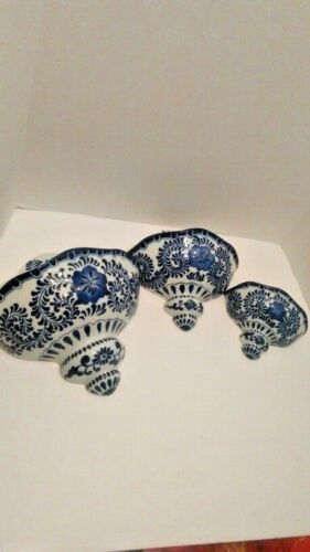 Set of 3 Blue and White Wall Pockets