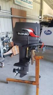 Suzuki DT25C 3 cylinder triple carb 25hp 2 stroke