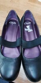 Clarks Mary Jane shoes as new - size 8