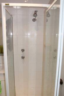 Furnished room in Macquarie Fields Private Toilet and Fridge