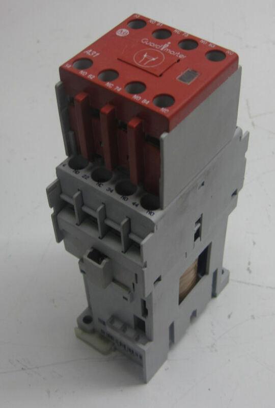 Allen-Bradley 700-CF310DJ Control Relay, 4-Pole, 24 VDC Coil w/ 100F Aux Contact