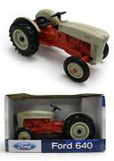1/16 New Holland Tractor