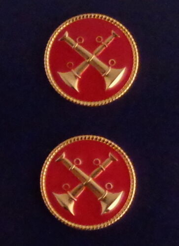 """2 Bugles Crossed GOLD & RED Discs Fire CAPT Captain Collar/Lapel Pins 1"""" USA"""