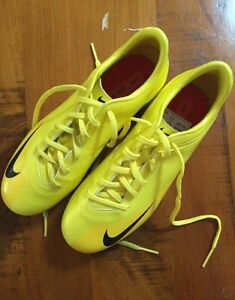 Size UK4 soccer boots Kwinana Town Centre Kwinana Area Preview