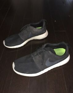 Nike Roshe Runs Mens Size 10
