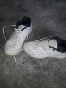 Ladies white nike air golf shoes size 7