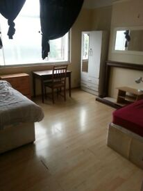 HUGE TWIN ROOM AVAILABLE (BILLS INCLUDED)