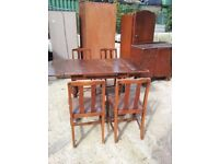 OAK DINING TAB;E AND 4 CHAIRS. IDEAL RESTORATION OR SHABBY CHIC