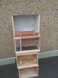 Bird breeding box's