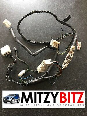 MITSUBISHI SHOGUN PAJERO MK2 CONSOLE HARNESS MR122069
