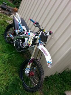 Kx250f08 trade for v8 ute or sedan Pakenham Cardinia Area Preview
