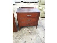 OAK CHEST OF THREE DRAWERS. RESTORATION OR SHABBY CHIC PROJECT