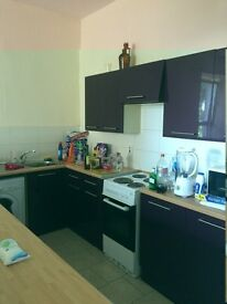 GREAT 5 BEDROOM STUDENT FLAT IN WEST END OF DUNDEE AND CLOSE TO UNIVERSITY OF DUNDEE(15ST1R)