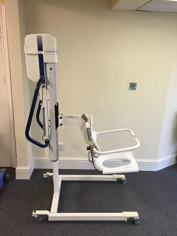 Arjo Ambulift Electric Bath Hoist with Remote ArjoHuntleigh Mobility ...