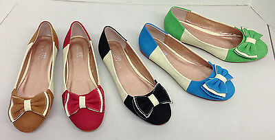 - Women's Flat Shoes - Two Tone - Bow
