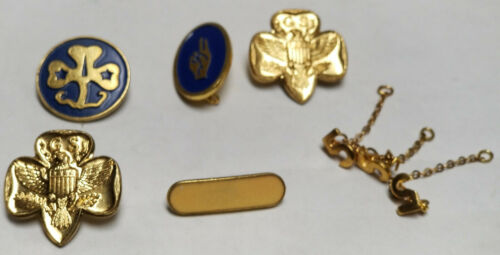 VINTAGE ASSORTMENT OF GIRL SCOUT PINS