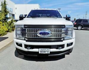 Ford Super Duty F-450 roues doubles cabine 6 places 4RM 176 po