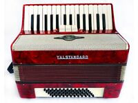 Royal Standard Light Weight Accordion - 2 Voice - 31 Piano Keys / 60 Bass Buttons in good condition