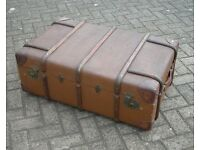 Gorgeous leather cornered vintage railway trunk - AMAZING !
