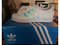 BRAND NEW Women's Size 5 Adidas Superstar Trainers