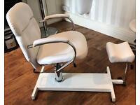 Pedicure/waxing chair