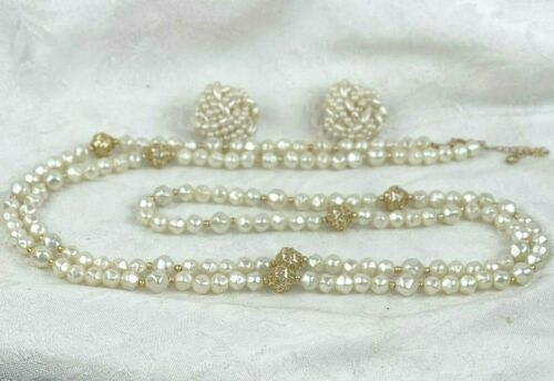 ☘☘☘ Vintage Faux Baroque Pearl Long Necklace and Coordinating Clip Earrings ☘☘☘