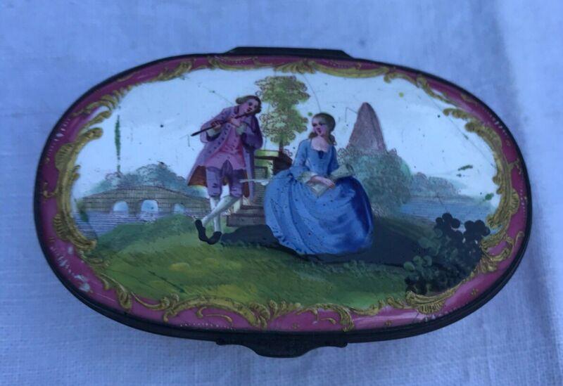 ANTIQUE 18th CENTURY ENAMEL BILSTON & BATTERSEA BOX WITH COURTING SCENE