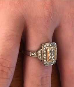 10ct White Gold and Diamond Ring Warners Bay Lake Macquarie Area Preview