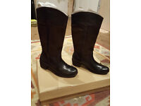 UGG BROWN LEATHER n SUEDE BOOTS BRAND NEW