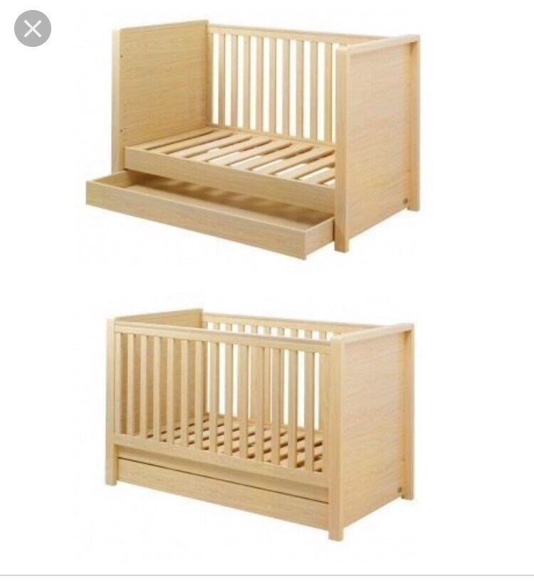Kub Madera Solid High Quality Nursery Furniture Excellent Condition