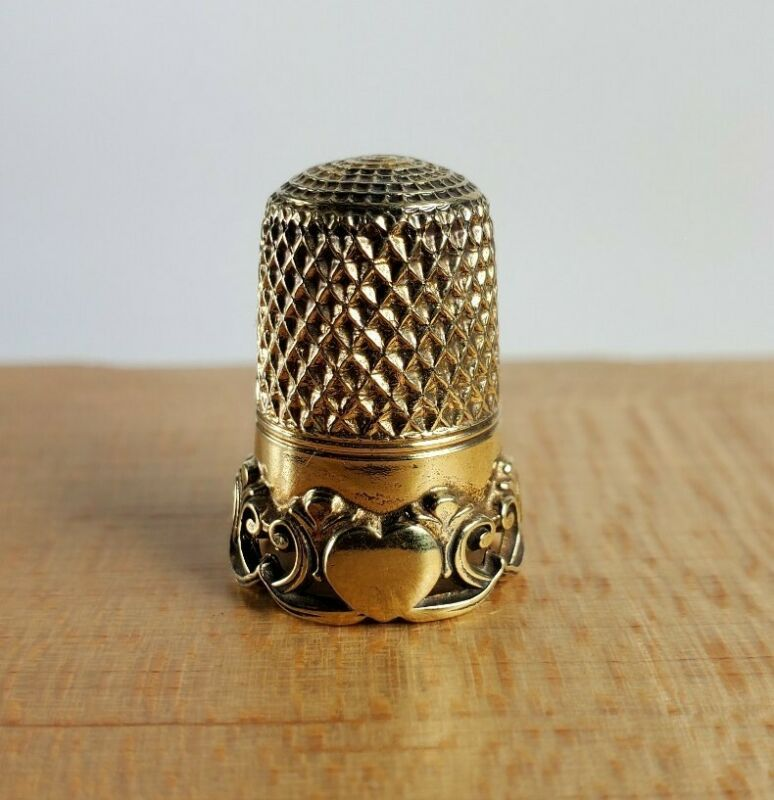 RARE Simons Gold Vermeil Sterling Silver Sewing Thimble Rococo Hearts Pattern