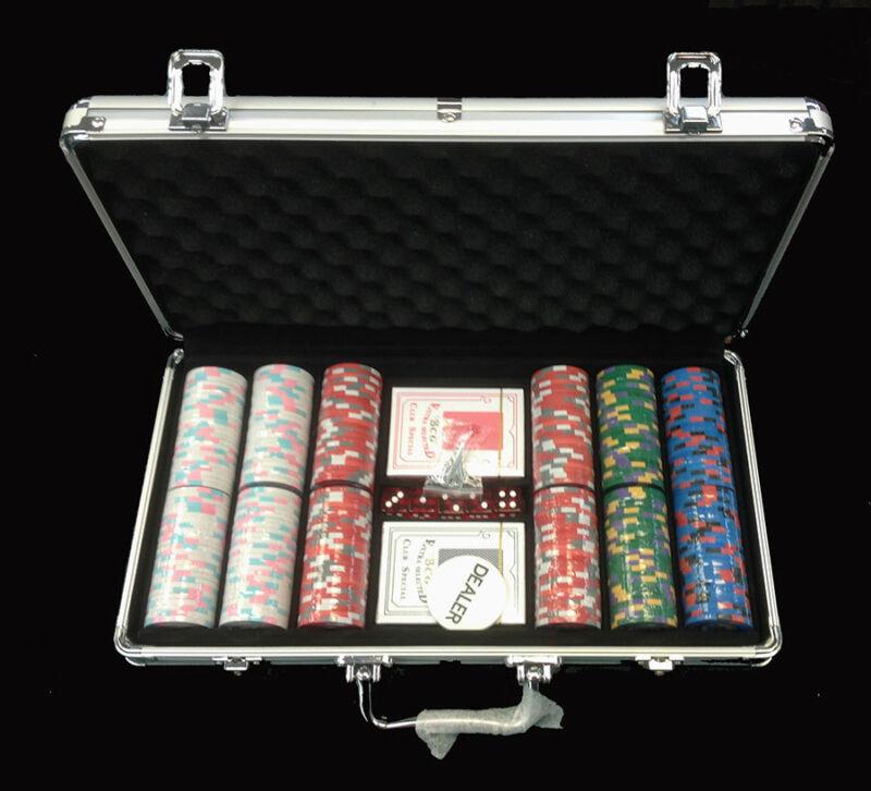 300 U.S. Navy Poker Chips Set 9gr Chip + 2 Decks + 5 Dice + Dealer Button*