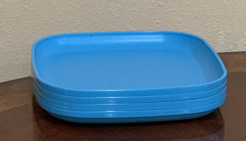 TUPPERWARE LUNCH SQUARE PLATES SET-8 IN EACH-IN LIGHT BLUE COLOR !!!!!