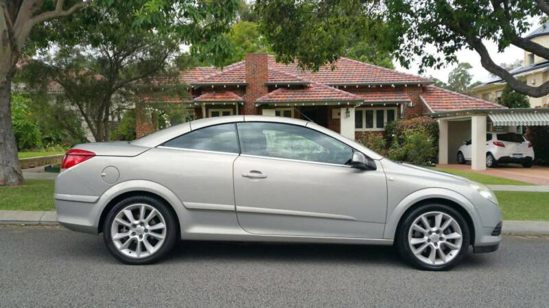 Holden astra automatic twin top convertible cars vans utes holden astra automatic twin top convertible cars vans utes gumtree australia perth city area perth 1186428201 fandeluxe Gallery
