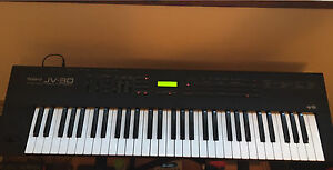 Roland JV-30 Synthesizer/Keyboard